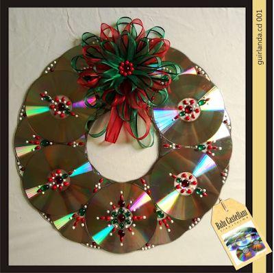 Aprende como hacer coronas navideñas de CDs